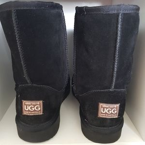 Size 9 ugg boots